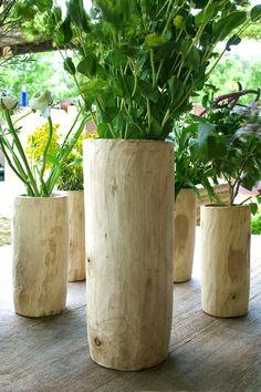 CAPRI wooden elm vase. Four sizes: small (10x10x15 cm) medium (15x15x35 cm) big (18x18x43 cm) XL (22x22x52 cm)