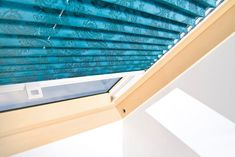 Stínící technika Anse pro soukromé i veřejné objekty - FWDS Europe, a. Blinds, Pergola, Curtains, Home Decor, Decoration Home, Room Decor, Shades Blinds, Outdoor Pergola, Blind