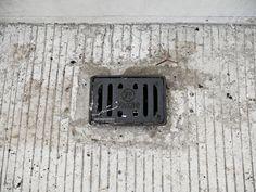 Sedangkan deck drain cast iron yang digunakan di kawasan Bandara YIA adalah deck drain type medium. Deck drain medium ini digunakan di area fly over yang ada di Bandara Kulon Progo. Fly over ini menghubungkan pintu masuk kawasan bandara dan terminal. Deck Drain, Cast Iron, It Cast, Yogyakarta