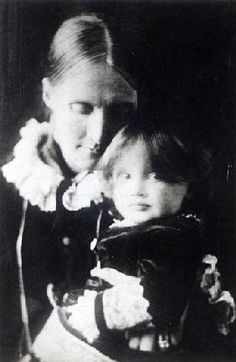 English Photographer - Virginia Woolf, with her mother Julia