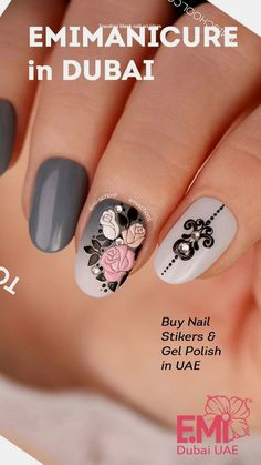 Easy to do nail art design for summer. More nail art design from EMi school of nail design in Dubai are on our website Chrome Nail Art, Silver Nail Art, Black Nail Art, 3d Nail Art, Nail Art Hacks, Easy Nail Art, Cool Nail Art, Flower Nail Designs, Cute Nail Art Designs