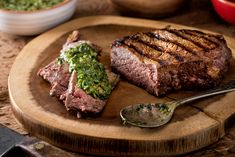 Clinton Kelly's Chimichurri Sauce All you need are some fresh herbs, a few pantry staples and a food processor to make this quick sauce that's delish with grilled chicken, steak or seafood. Carne Asada, Pasta Dishes, Food Dishes, Steak With Chimichurri Sauce, Argentina Food, Argentina Recipes, Sour Fruit, Mint Sauce, Brown Sauce