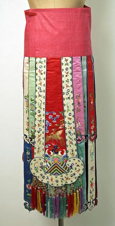 Ensemble, 20th c., Chinese minority (Manchu peoples), silk, metal