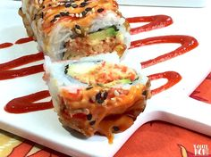 The Shaggy Dog Roll is a sushi restaurant classic — crispy, creamy, a little bit spicy, and a whole lot of flavor! Here& how to make this maki at home. Spicy Crab Roll, Sushi Rolls, Sushi Roll Recipes, Veggie Recipes, Cooking Recipes, Veggie Meals, Sauces, Recipes, Seafood