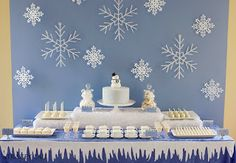 winter wonderland baby shower | ... Modern Baby Shower by Chic Gifts by Sass: Baby Grows while it SNOWS