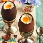 Simple Cheesecake Filled Easter Eggs - The Style Insider