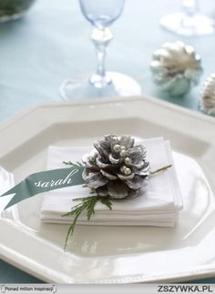 pine cone place settings