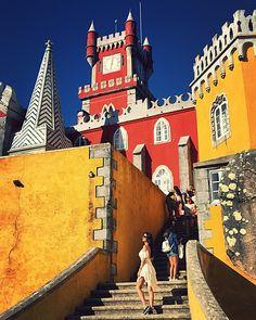 Palatul Pena, coroana batuta cu pietre pretioase a Portugaliei