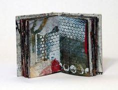 Linda Welch - no link Heart Journal, Art Journal Pages, Handmade Journals, Handmade Books, Altered Books, Altered Art, Collages, Artist Journal, Book Sculpture