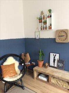 Gezellig hoekje met een #flexa Blueberry dream muur