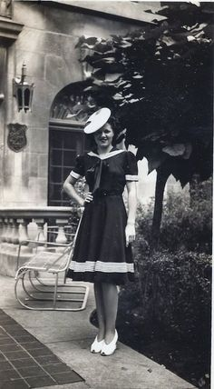 vintage everyday: Women Fashion 70 Years Ago – Dresses That Girls Used to Wear in the 1940s