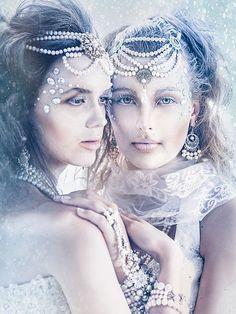 Kuvahaun tulos haulle pearls on beach in model