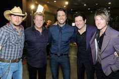 Jason Aldean and Luke Bryan with Rascal Flatts! :3