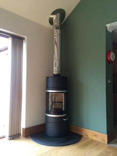 Again the Scan 86! Such a versatile ‪#‎wood‬ ‪#‎stove‬. Compliments any ‪#‎interior‬, what a ‪#‎fire‬! http://jotul.com/uk/products/wood-stoves
