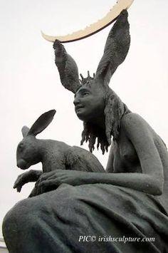 HARE QUEEN - Bronze and granite by Fidelma Massey