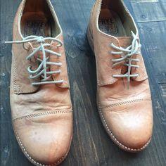 Women's Frye lace up loafers Neutral women's lace up Frye loafer size 6.5 Frye Shoes Flats & Loafers