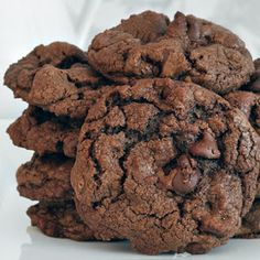 This double chocolate chipe recipe makes yummy cookies with everybite being all about the chocolate! Double Chocolate Chip Cookie Recipe from Grandmothers Kitchen. Double Chocolate Chip Cookie Recipe, Chocolate Chip Recipes, Homemade Chocolate, Cookie Desserts, Just Desserts, Chocolate Pastry, Chocolate Chocolate, Chocolate Liquor, Dessert Aux Fruits