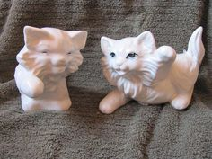 Pair of Playful White Persian Kittens Cats Vintage Ceramic Figurines