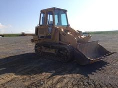 1984 Cat Caterpillar 943 Crawler Track Loader for sale at www.quesalesinc.com for $16,500.00