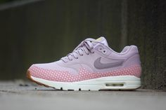 Nike Wmns Air Max 1 Ultra Essentials Plum Fog/Purple-Smoke - 704993-501