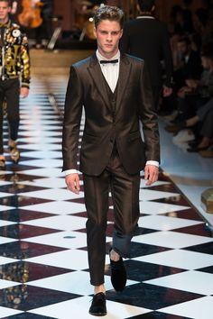 Dolce & Gabbana Spring 2017 Menswear Fashion Show - Philipp P.