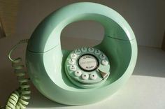 Vintage Mint Green Donut Phone--i used to have one!!!