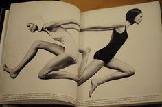 Foto: Hiro. Design: Bea Feitler e Ruth Ansel. Revista Bazaar, 1968.