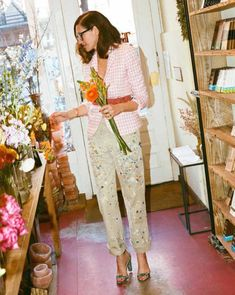 The J.Crew blog recently challenged creative director Jenna Lyons to wear gingham five days in a row and she clearly had a good time with it. I tend to get into