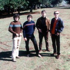 LA RUTA  Las influencias del grupo son (eran) la música beat y pop de los 60, sin obviar el power pop de finales de los 70.
