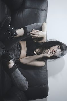 Goth Style 506725395559926898 - Mode Plus Source by fredrapilly Hipster Grunge, Estilo Grunge, Grunge Goth, Nu Goth, Grunge Hair, Grunge Style, Punk Outfits, Grunge Outfits, Mode Outfits