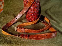 29 Best Bob Basset images   Drachen, Drachen rucksack, Leder 032f6ff44e