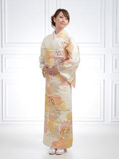 訪問着 Japanese Geisha, Japanese Kimono, Japanese Girl, Japanese Costume, Wedding Kimono, Japanese Outfits, Married Woman, Yukata, Pure Beauty