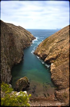 Berlenga Island, Peniche #Portugal. One of the most beautiful spots on a planet )