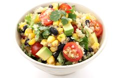 Quinoa and Black Bean Salad This is a great salad to have after your workout. Add some avocado & your salad will be loaded with protein. Try this colorful recipe tonight! Lunch Recipes, Vegan Recipes, Cooking Recipes, Heart Healthy Vegetarian Recipes, Ovo Vegetarian, Vegetarian Protein, Vegan Food, Healthy Salads, Healthy Eating