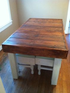 Reclaimed dining room table... using wood from free pallets. love the color