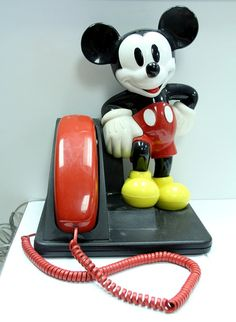 VINTAGE 1970s 1976 Walt Disney Mickey.....my first phone! And it went in my bedroom.....huge deal!