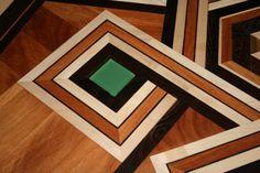 """""""ESA"""" Tavolo intarsiato con inserti in Vetro acidato  cm 110 x 110"""