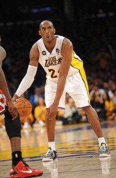 Kobe laces up fan design as Lakers climb back into playoff position. Basketball Legends, Sports Basketball, Basketball Players, Kobe Bryant Family, Kobe Bryant 8, Kevin Durant Shoes, Shooting Guard, Kobe Bryant Black Mamba, Baskets