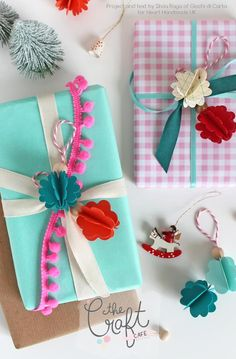 Learn how to wrap perfect gifts for Christmas with Silvia Raga of Giochi Di Carta for Heart Handmade UK. Use beads little decorations and lots of ribbons and trims to create pretty little packages. Wrapping Gift, Creative Gift Wrapping, Christmas Gift Wrapping, Christmas Gifts, Wrapping Ideas, Christmas Packages, Pretty Packaging, Gift Packaging, Craft Gifts