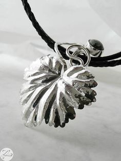 Zuzana_Zliechovcova / Seraph-Leaf