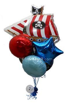 un impactante ramillete de globos para una fiesta pirata