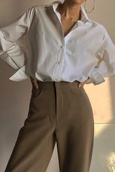 Minimalist and chic outfits ideas - . Minimalist and chic outfits ideas - - , Minimalistische und schicke Outfits-Ideen - Outfits Casual, Mode Outfits, Fashion Outfits, Womens Fashion, Fashion Trends, Fashion Ideas, Fashion Boots, Fashion Styles, Trousers Fashion