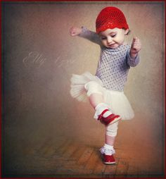 Dance like no one's watching, Elly 1 yr - © Maria Gvedashvili Photography (Daizy-M) via deviantart