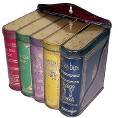Huntley & Palmers book tin, one of many designs made between 1900 and 1924.
