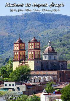 Santuario del Sagrado Corazón  Consagrado el 16 de enero de 1900, forma parte de los 3 edificios que conforman el Convento de las Adoratrices de Ejutla.  Cortesía: Hugo Gonzaléz