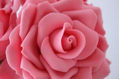How to make gum paste roses • CakeJournal.com