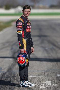Max Verstappen, Scuderia Toro Rosso at Toro Rosso launch High-Res Professional Motorsports Photography Red Bull F1, Red Bull Racing, Mick Schumacher, F1 Drivers, Fighter Pilot, Lewis Hamilton, F 1, Formula One, My Idol
