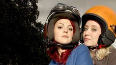 Emily Fitch & Naomi Campbell (Skins - Series played by Kathryn Prescott and Lily Loveless Lily Loveless, Kathryn Prescott, Skin Aesthetics, Skin Care Masks, Skins Uk, Tv Show Outfits, Skin Photo, Cute Lesbian Couples, Skin Routine