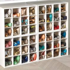 meuble à chaussures 12 pairs blanc The Container Store #maison #mobilier #shoes #furniture