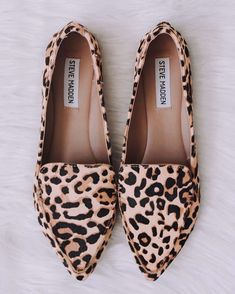 Pointed leopard print flats from Steve Madden Source by madden Shoes I Love My Shoes, Kinds Of Shoes, Dream Shoes, Cute Shoes, Me Too Shoes, Zapatos Steve Madden, Steve Madden Loafers, Madden Shoes, Leopard Loafers